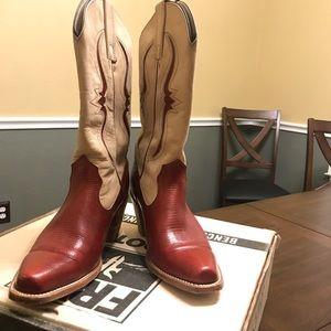 Retro style western boot